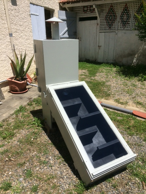 Solar dryer heat box